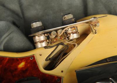 Fender Bass 1060 February (20)