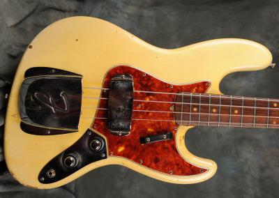 Fender Bass 1060 February (4)