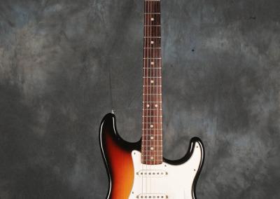 Fender Strato 73 Sunburst (1)