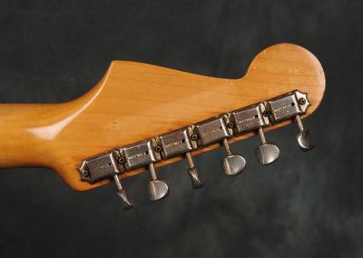 Fender Stratocaster 1961 Sunburst (13)