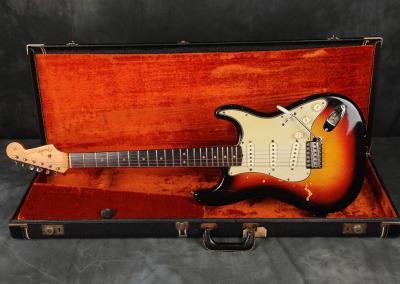 Fender Stratocaster 1963 Sunburst 2