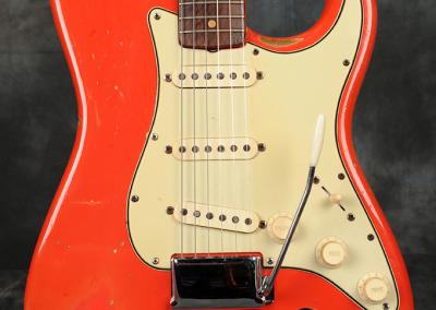 Fender Stratocaster 1964 Fiesta Red (2)