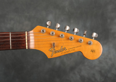 Fender Stratocaster 1965 Charcoal Frost (9)
