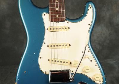 Fender Stratocaster 1965 LpB (2)