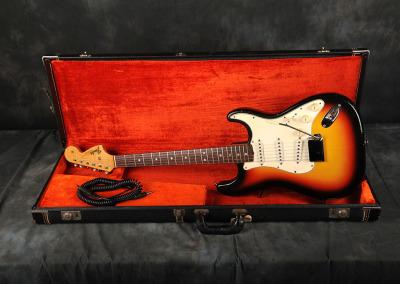 1966 Fender Stratocaster Sunburst (2)