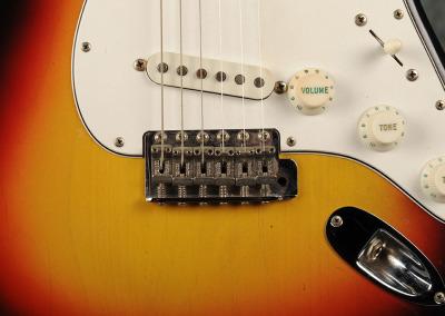 Fender Stratocaster 1966 Sunburst 3 (9)