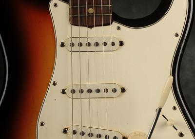 Fender Stratocaster 1966 Sunburst 4 (2)