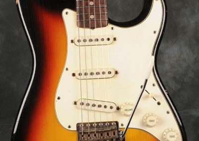 Fender Stratocaster 1966 Sunburst 5 (2)