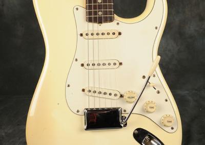 Fender Stratocaster 1971 Ow (2)