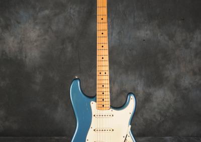 Fender Stratocaster 1972 LpB (1)