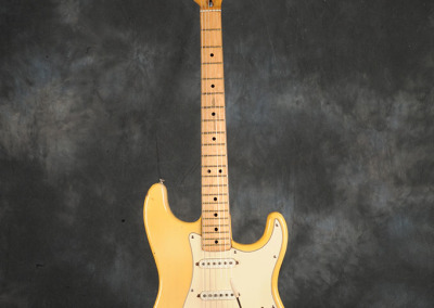 Fender Stratocaster 1972 OW (1)