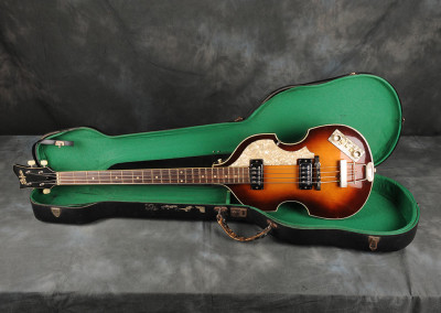 1963 Hofner Violin Bass (1)