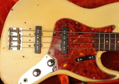 Fender Bass 1060 February (18)