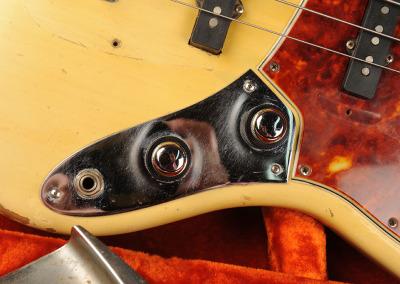 Fender Bass 1060 February (19)