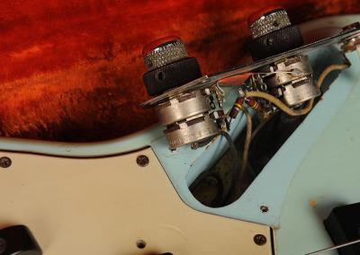 Fender bass 1961-7 (12)