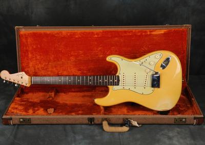 1961 Fender Stratocaster Blond