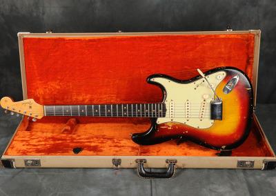 1963 Fender Stratocaster Sunburst (4)