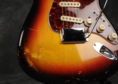 Fender Stratocaster 1964 Sunburst 1 (3)