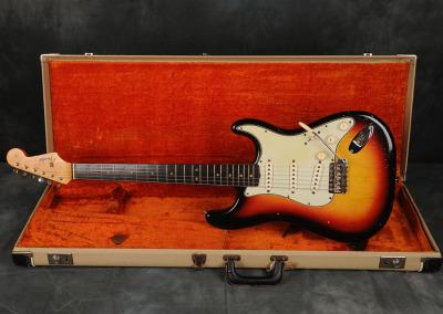 1964 Fender Stratocaster Sunburst (2)