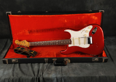 Fender Stratocaster 1965 Candy Apple Red (1)