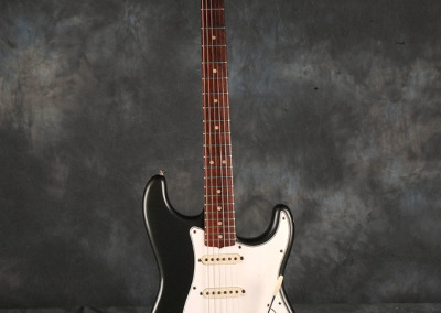 Fender Stratocaster 1965 Charcoal Frost (1)