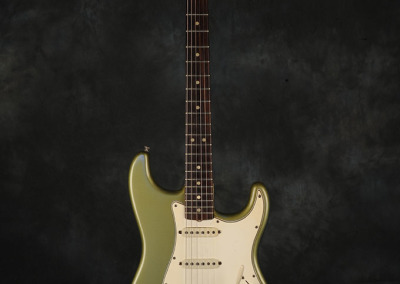 Fender Stratocaster 1965 Ice Blue Metallic (1)