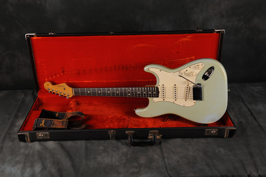 1965 Fender Stratocaster Sonic Blue