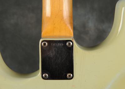 Fender Stratocaster 1965 Sonic Blue (9)