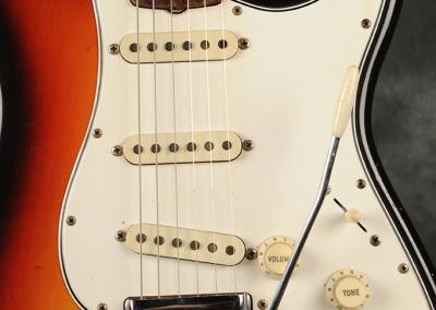 Fender Stratocaster 1966 Sunburst 1 (2)
