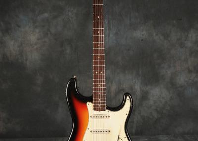 Fender Stratocaster 1966 Sunburst 2 (1)