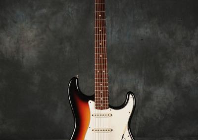 Fender Stratocaster 1966 Sunburst 3 (1)
