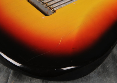 Fender Stratocaster 1966 Sunburst 3 (10)