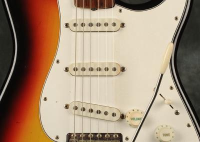 Fender Stratocaster 1966 Sunburst 3 (2)