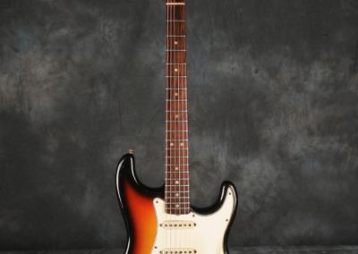 Fender Stratocaster 1966 Sunburst 7 (1)
