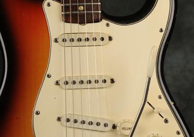 Fender Stratocaster 1966 Sunburst 7 (2)