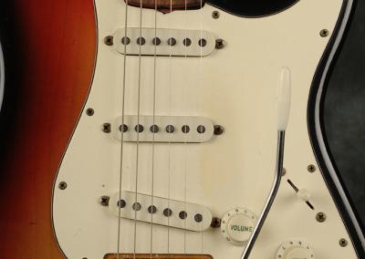 Fender Stratocaster 1969 Sunburst (2)