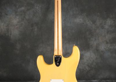 Fender Stratocaster 1972 OW (4)