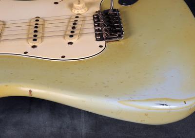 Fender stratocaster 1967 Sonic Blue (15)