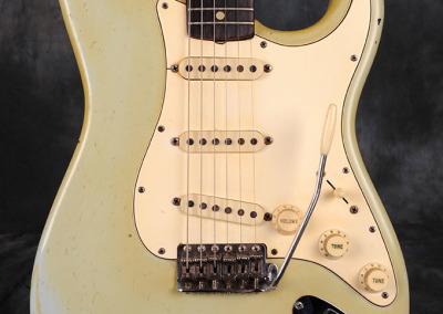 Fender stratocaster 1967 Sonic Blue (3)