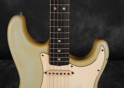Fender stratocaster 1967 Sonic Blue (5)