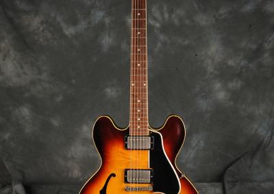 Gibson 1983 es-335 (1)
