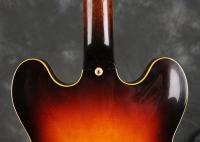 Gibson 1983 es-335 (3)