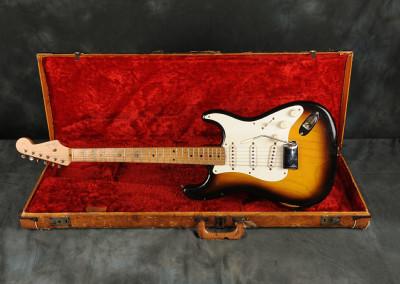 1955 Fender Stratocaster Sunburst 2 toni