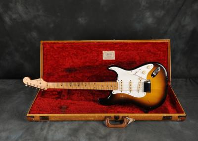 1957 Fender Stratocaster Sunburst 2 toni (2)