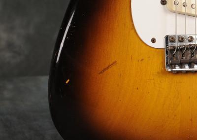 Fender-Stratocaster-1957-sun2toni (6)