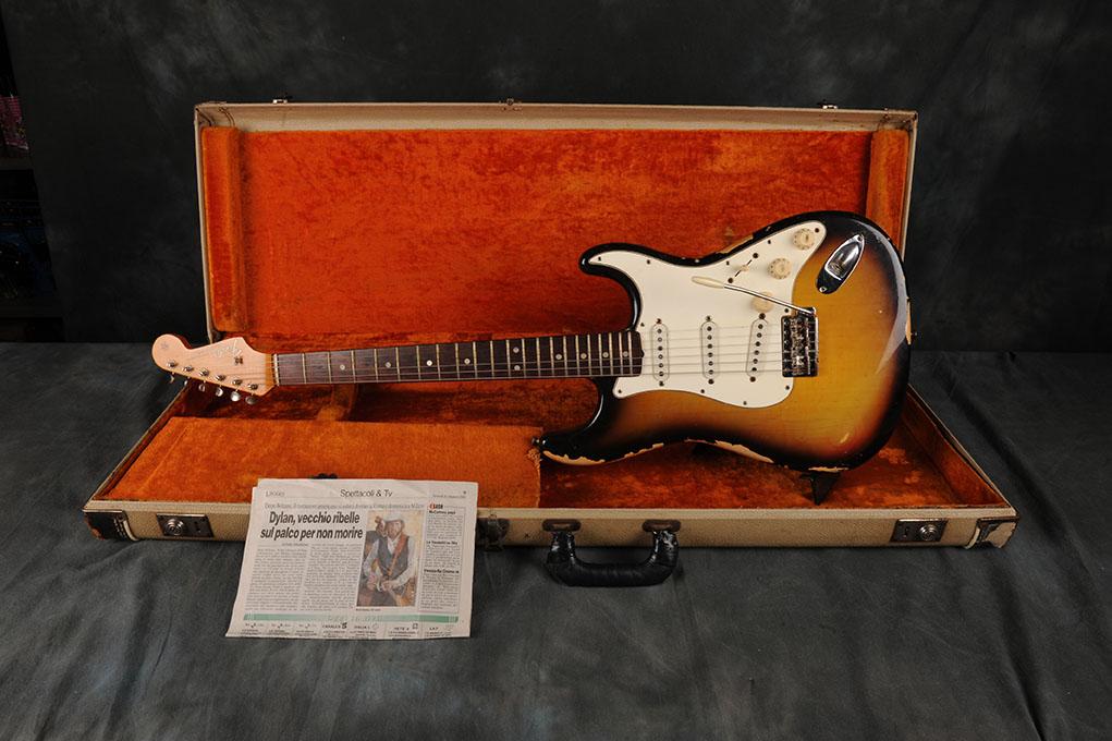 """1965 Fender Stratocaster Sunburst """"Bob Dylan Japan Tour 1994"""""""