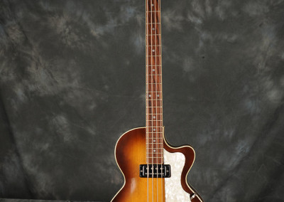Hofner 1964-68 bass (1)