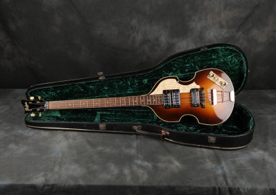 1963 Hofner Violin Bass (2)