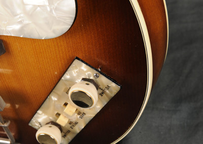 hofner 1964 violin-bass sunburst (6)
