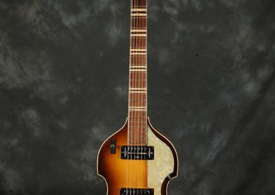 1970 hofner Violin guitar (1)